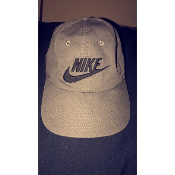 a71a595a422 Nike Accessories